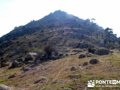 La sierra Oeste de Madrid. Puerto de la Cruz Verde, Robledo de Chavela, ermita de Navahonda. rio chi